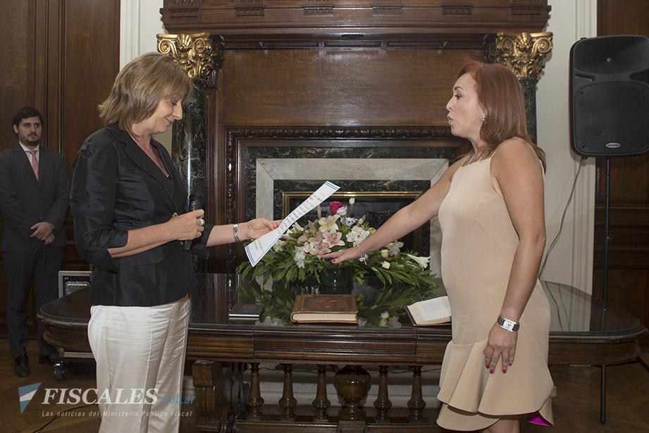 La fiscal Boquín al momento de tomar posesión de su nuevo cargo. - Foto: Claudia Conteris/Ministerio Público Fiscal/www.fiscales.gob.ar