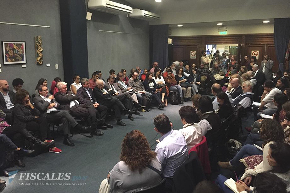 La Mesa de Discusión Institucional se reunió en el Salón Nelly Ortiz de la sede de Avenida de Mayo 760.  - Foto: Procuraduría de Crímenes contra la Humanidad.