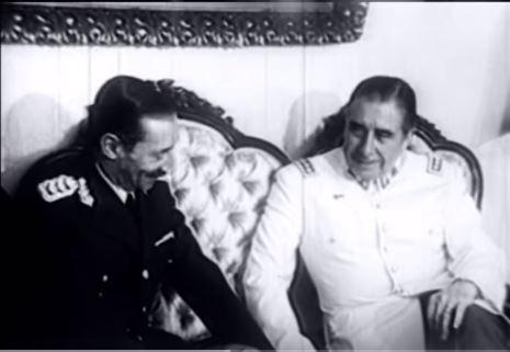 Los dictadores Videla y Pinochet, socios en la Operación Cóndor.  - Fotograma del informe audiovisual producido por la Dirección de Comunicación Institucional: https://www.youtube.com/watch?v=aERHN3_Vc0o