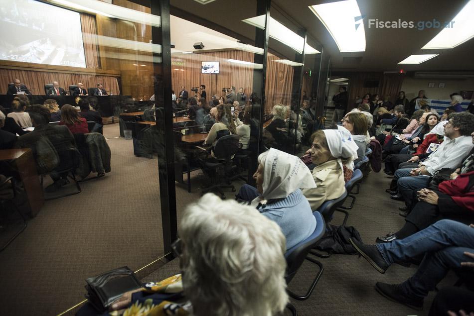 El público colmó la Sala AMIA de los Tribunales Federales de Comodoro Py 2002.  - Fotos: Claudia Conteris/Ministerio Público Fiscal/www.fiscales.gob.ar