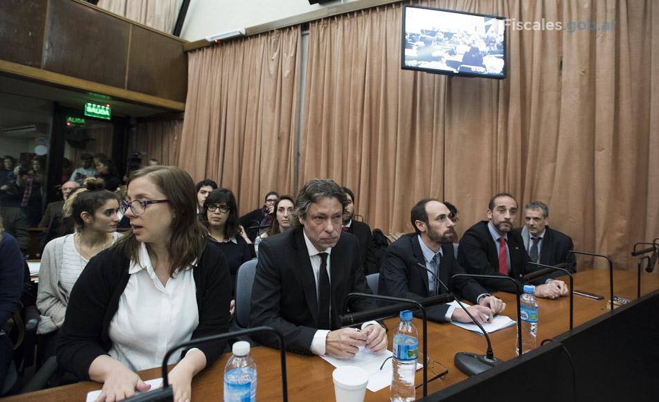 Pablo Ouviña y Mercedes Moguilansky encabezaron el equipo de la Unidad de Asistencia para causas por violaciones a los DDHH. - Fotos: Claudia Conteris/Ministerio Público Fiscal/www.fiscales.gob.ar