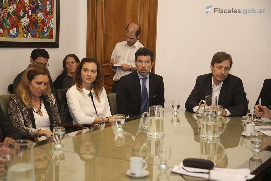 Guillermina García Padín (UFEP), María Belén Ravarini (UFECI) y Aldo de la Fuente (UFISEX). - Foto: Matías Pellón/Ministerio Público Fiscal/www.fiscales.gob.ar