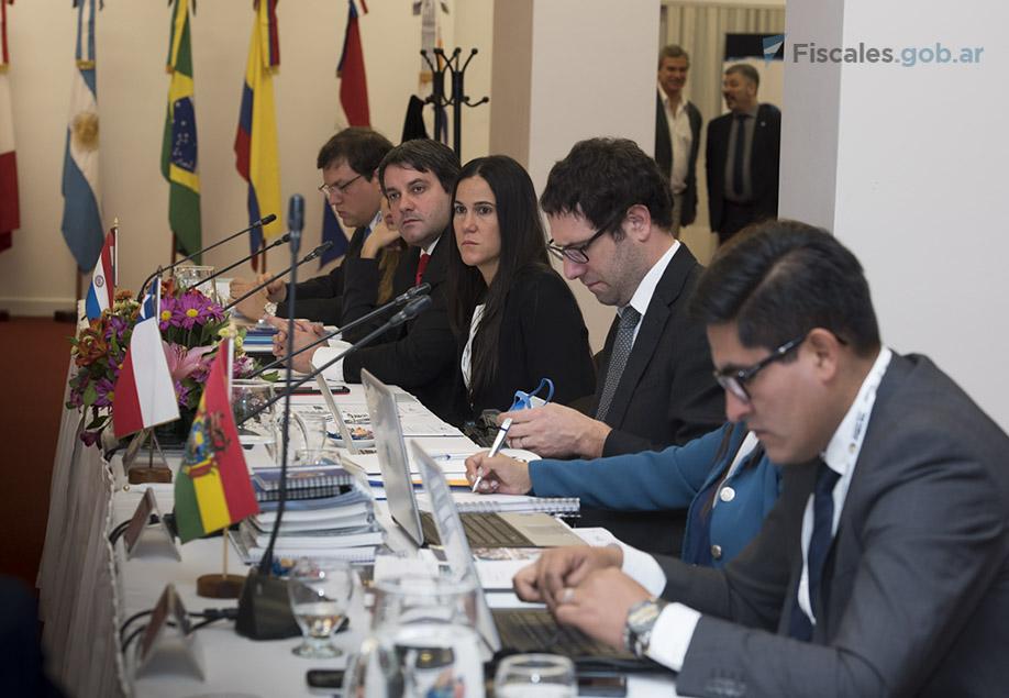 Están presentes delegaciones de Brasil, Paraguay, Uruguay, Bolivia, Chile y Ecuador. - Fotos: Claudia Conteris/Ministerio Público Fiscal/www.fiscales.gob.ar