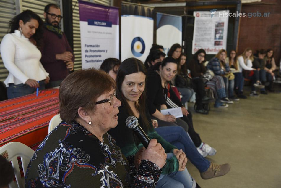 Mujeres y varones participaron de un taller de formación para promotoras y promotores en género. - Foto: Claudia Conteris/ Ministerio Público Fiscal/www.fiscales.gob.ar
