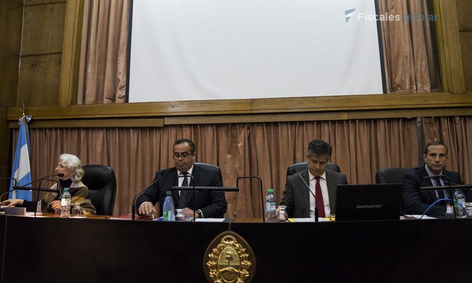 El TOCF 4 está integrado por Pablo Bertuzzi, Néstor Costabel, María Gabriela López Iñíguez y Jorge Gorini (sustituto). - Foto: Claudia Conteris/ Ministerio Público Fiscal/www.fiscales.gob.ar
