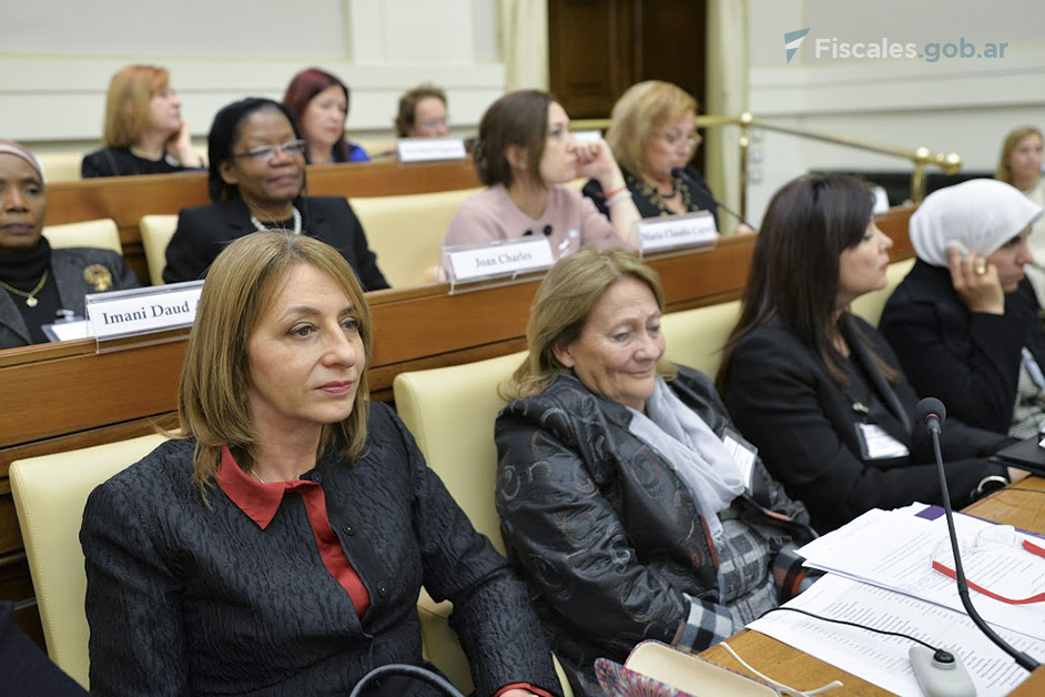 Foto: Academia Pontificia de las Ciencias (http://www.pas.va/content/accademia/en/events/2017/women_judges.html)