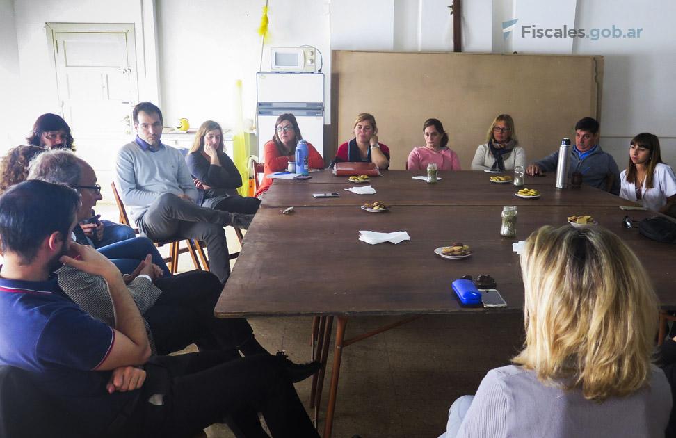 La reunión se llevó a cabo en  la Parroquia de Batán. - Foto: Fiscalía de Distrito de Mar del Plata.