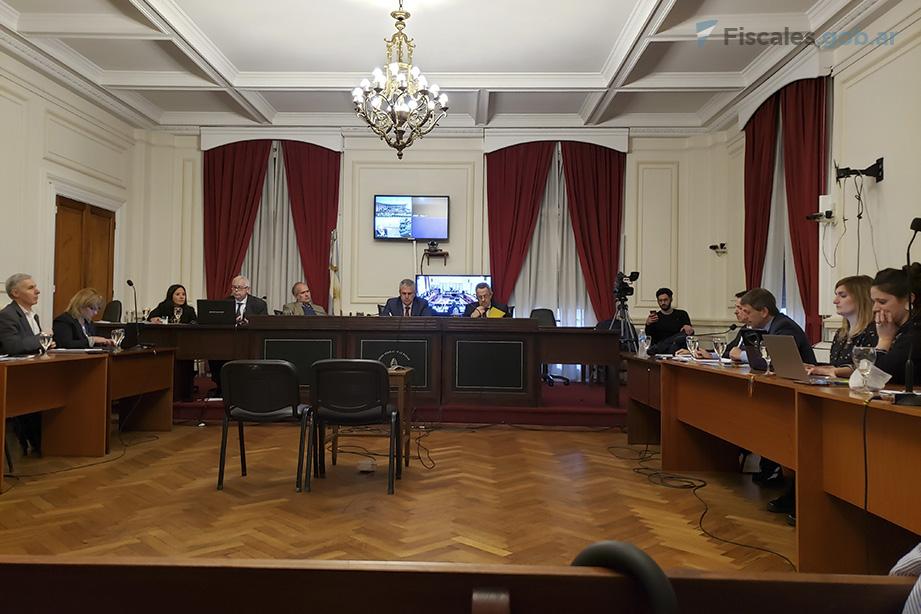 El TOF 2 de La Plata se encuentra a cargo del debate. -