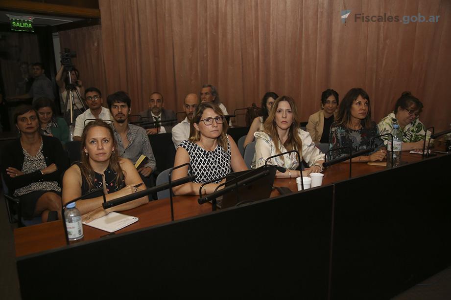 La fiscal Ángeles Ramos y la auxiliar fiscal Viviana Sánchez representaron al MPF en el debate. - Foto: Matías Pellón/ Ministerio Público Fiscal/www.fiscales.gob.ar