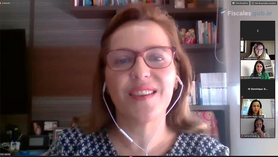 Denise Neves Abade, representante del Ministerio Público de Brasil. -