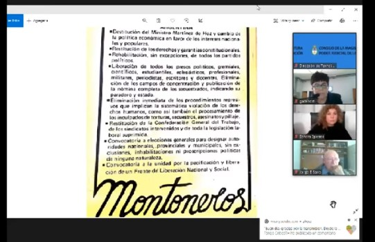 La exposición de la fiscalía fue acompañada con la presentación de documentos históricos y fotografías de las víctimas.  -