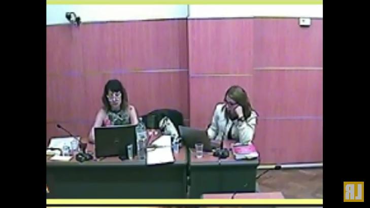 La fiscal Ramos participó de forma presencial en la sala de audiencias de los tribunales federales de Comodoro Py 2002.  - Captura de pantalla del canal de Youtube La Retaguardia.