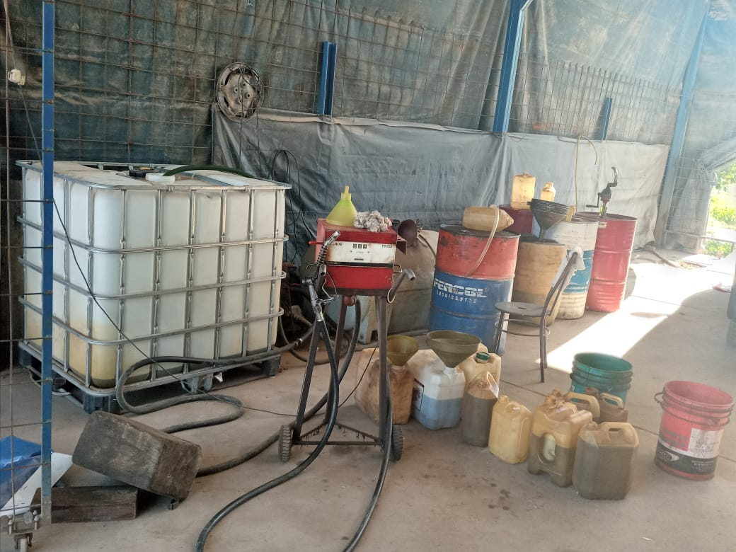 El combustible sustraído pertenecía a la empresa Belgrano Cargas y Logística SA. - Fotos: Policía Federal de Salta.