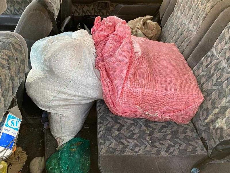 Se secuestraron más de 34 kilos de marihuana y dos de cocaína. -