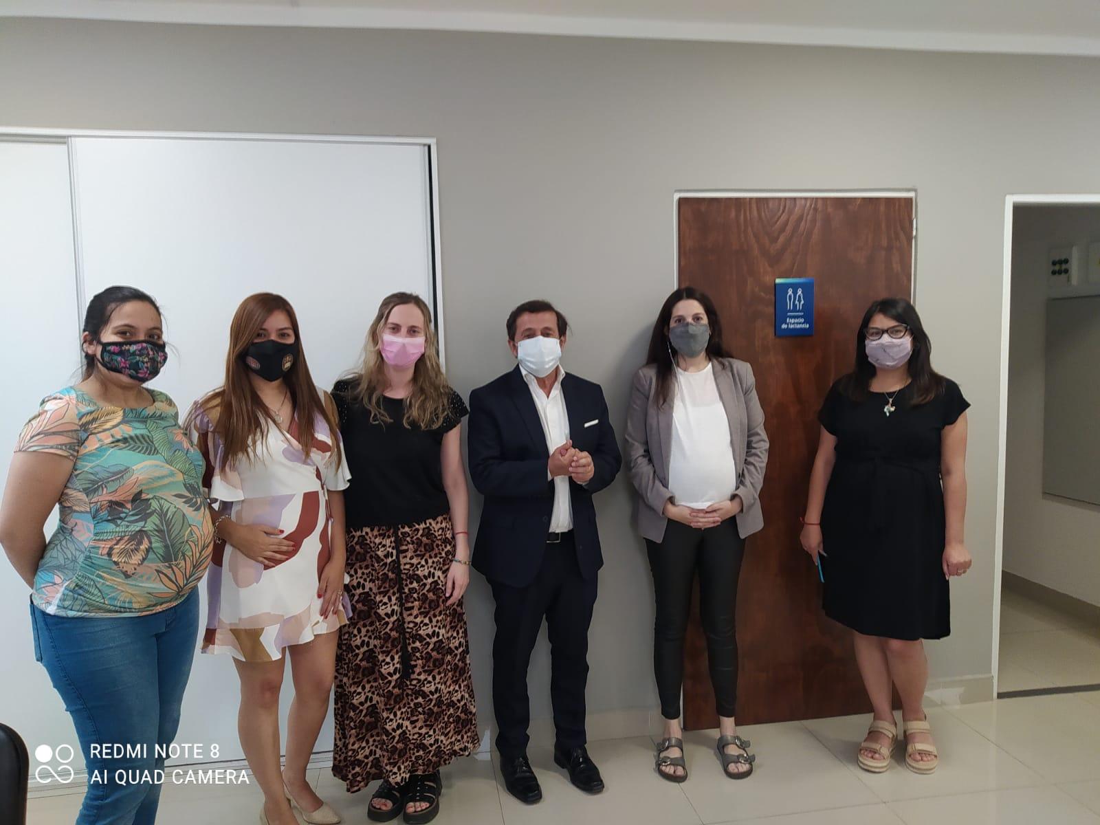 El fiscal Villalba inaugura el lactario junto a las empleadas embarazadas de la Unidad Fiscal Salta.  - Foto: Sebastián Rodríguez / Ministerio Público Fiscal